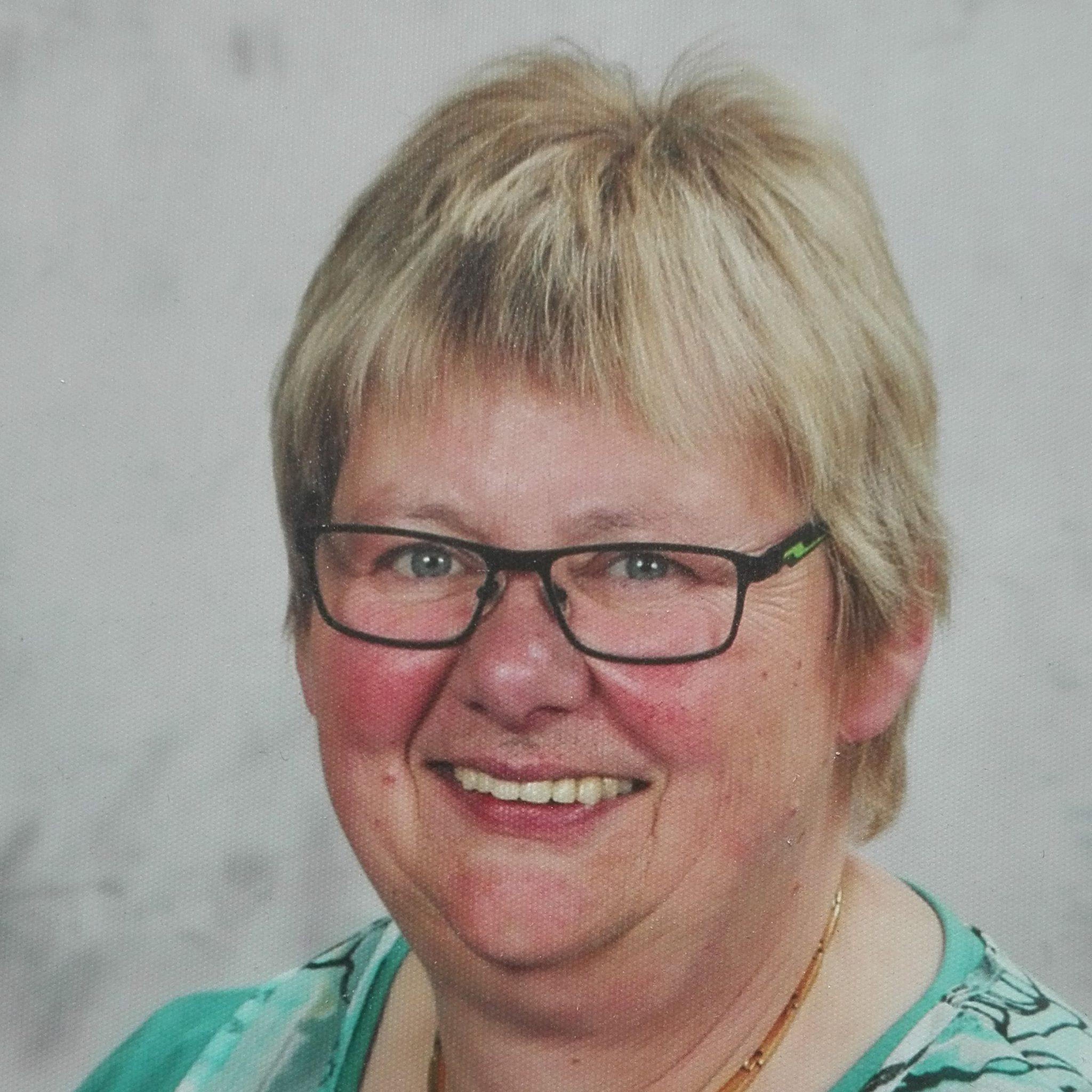 Frau Birgit Rövekamp - Bruns